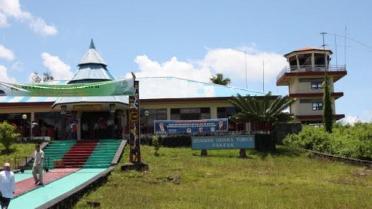 Foto Bandara di Fakfak FakFak