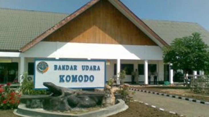 Foto Bandara di Komodo Labuanbajo