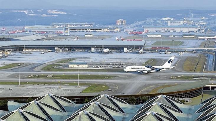 Foto Bandara di Senai Johor Baru