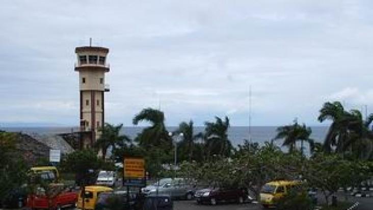 Foto Bandara di Syukuran Aminuddin Amir/ Bubung Luwuk