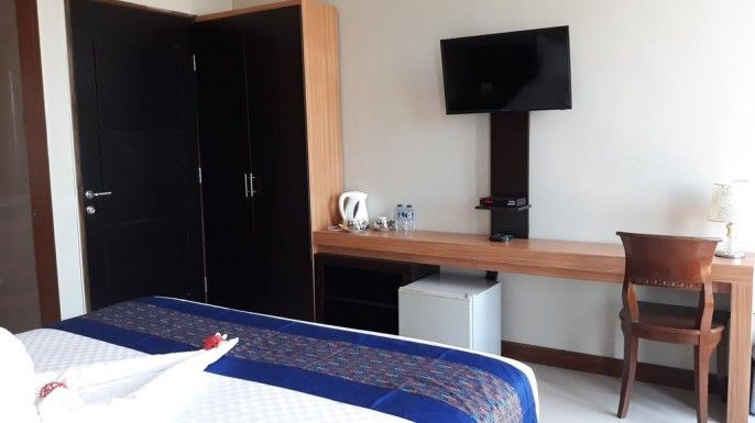 Asiana Lovina Hotel and Karaoke, Buleleng