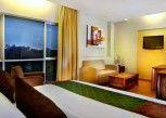 Pesan Kamar Junior Suite di Aston Tanjung City Hotel