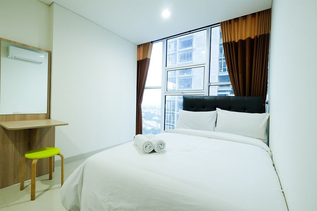 Best Deal 1BR Brooklyn Alam Sutera Apartment By Travelio, Tangerang