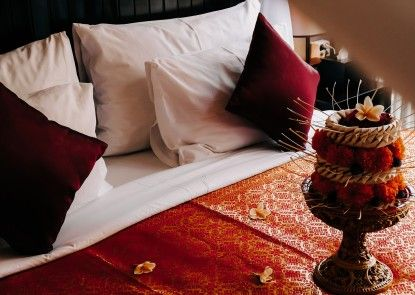 18 Suite Villa Loft by AMITHYA Interior