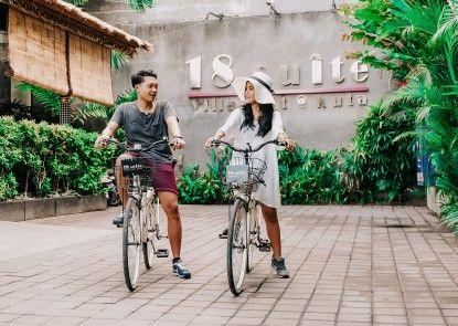 18 Suite Villa Loft by AMITHYA Pintu Masuk
