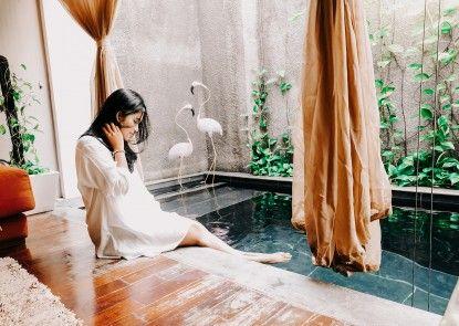 18 Suite Villa Loft by AMITHYA Kolam Renang Pribadi