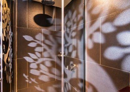 18 Suite Villa Loft by AMITHYA Kamar Mandi