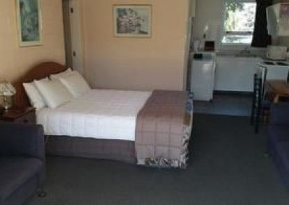 289 Midway Motel