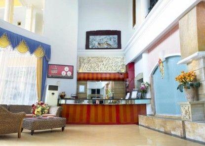 Kenari Asri Hotel Kudus Lobby