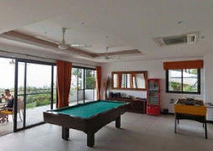 6 Bedrooms Waterslide Villa