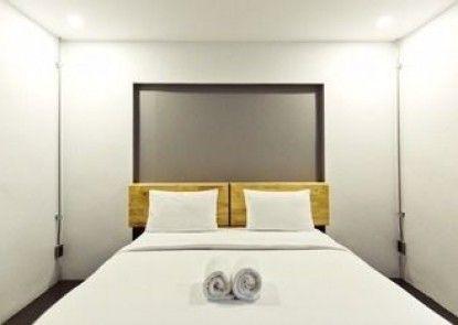 6.11 Hotel