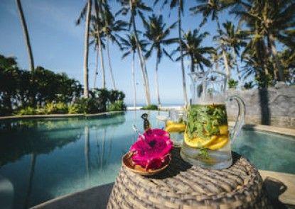 Absolute Beachfront Romantic Villa Laut Teras