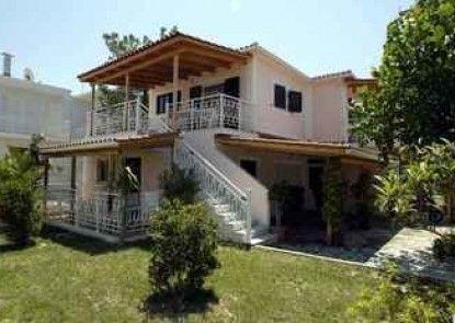 Acapulco Marinos Studios & Apartments