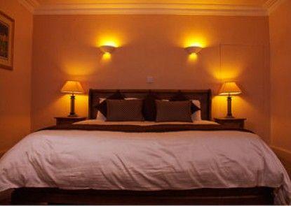 Achray House Hotel & Lodges