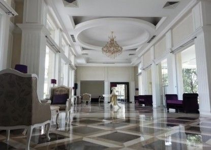 Adhiwangsa Hotel and Convention Hall Lobby