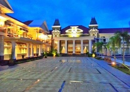 Adhiwangsa Hotel and Convention Hall Sekitarnya