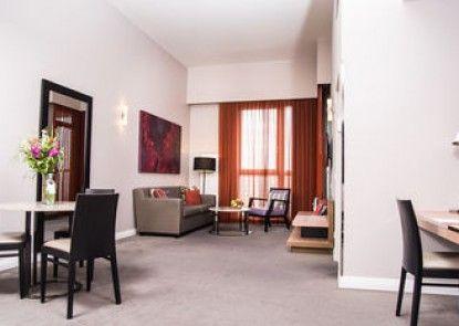 Adina Apartment Hotel Berlin CheckPoint Charlie