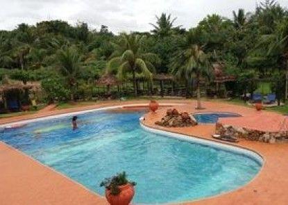Afrikiko Riverfront Resort