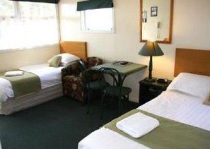 Airport Motel @ Rainbow Point Motel