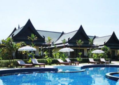 Airport Resort & Spa