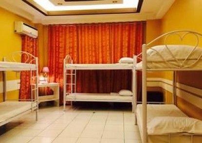 Airport Travelodge Manila - Hostel
