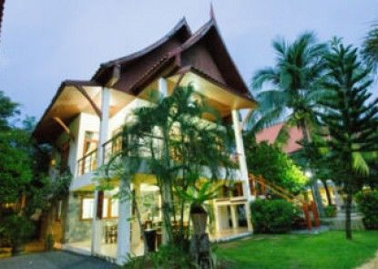 Aisawan Villas