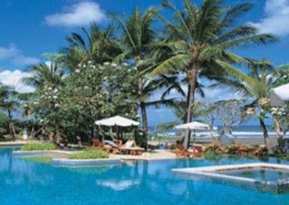 The Royal Beach Seminyak Bali - MGallery Collection Kolam Renang