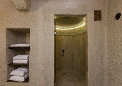 Aithra Cave Hotel