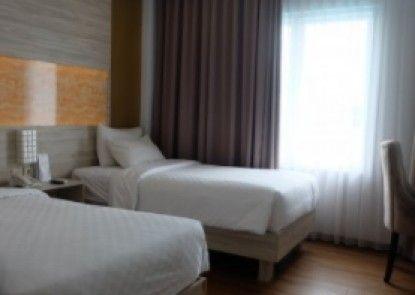 Akshaya Hotel Karawang Teras