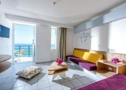 Alia Beach Hotel
