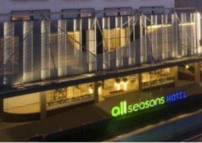 All Seasons Jakarta Gajah Mada Teras