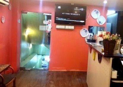 Allexsis Hotel & Cafe