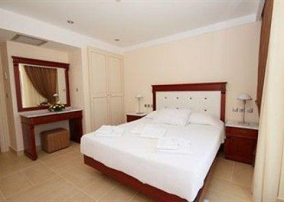 Almiriki Hotel