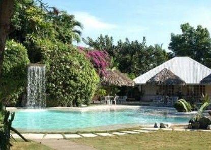 Almont Inland Resort