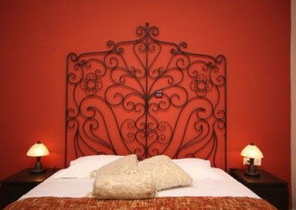 Aloe Luxury Apartments & Suites