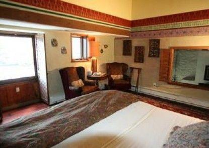 Alpenhof Bed and Breakfast