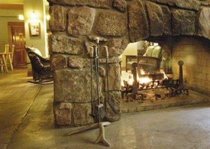 Alps Boulder Canyon Inn Teras