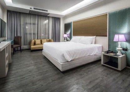 Alvarez Hotel
