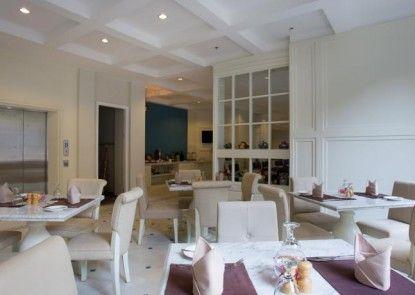 Amalfi Hotel Seminyak Rumah Makan