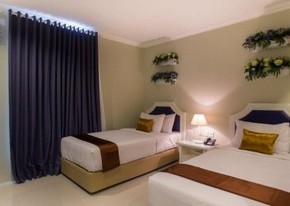 Amalfi Hotel Seminyak Kamar Tamu