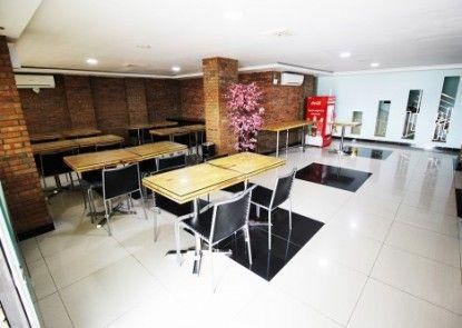 Amaliun Hotel Rumah Makan