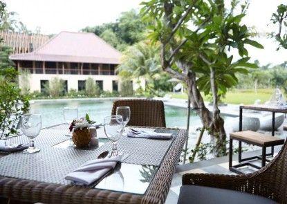 Amanuba Hotel & Resort Rancamaya Bar Tepi Kolam