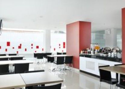 Amaris Hotel Malang Makan Prasmanan