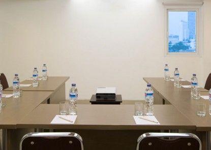 Amaris Hotel Senen Ruang Pertemuan