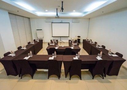 Amaris Hotel Pancoran Jakarta Ruangan Meeting