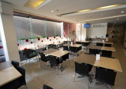 Amaris Hotel Pancoran Jakarta Lobby