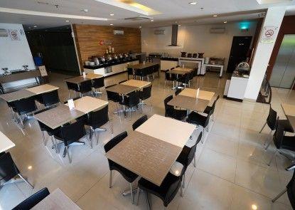 Amaris Hotel Pancoran Jakarta Rumah Makan
