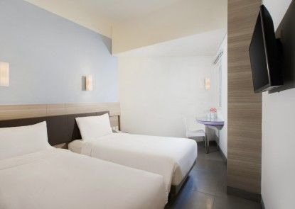 Amaris Hotel Satrio Kuningan Kamar Tamu