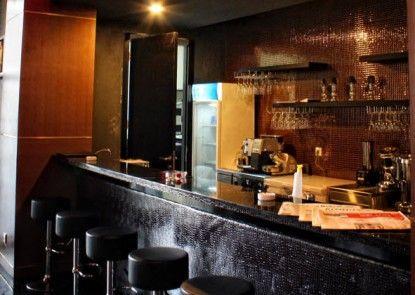 Amaroossa Hotel Bandung Bar