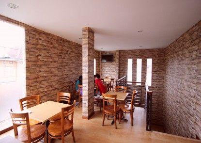 Amaya Suites Hotel Rumah Makan